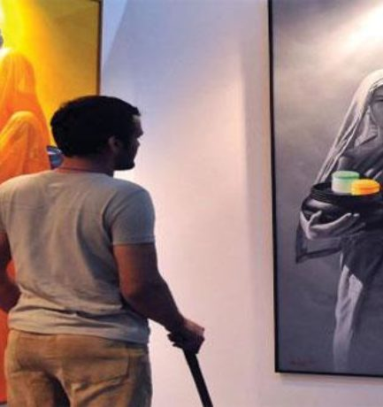 Comparison between traditional Indian art and Contemporary Indian art